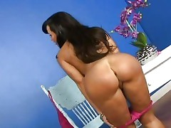 Gorgeous Lisa Ann shows off her succulent round ass